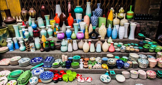 http://bodothocung.com/www/uploads/images/a-corner-of-Bat-Trang-ceramic-village.jpg